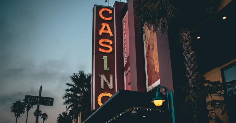 Çevrimiçi Casino Vs. Kara Tabanlı Kumarhane - Avantajları Bilin