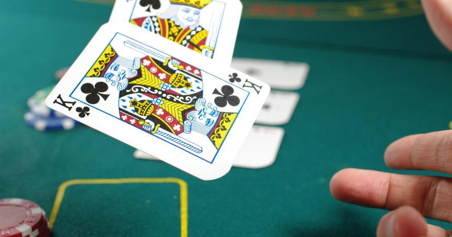 Canlı Krupiye Casino - Tatlı, Acı ve İkilem